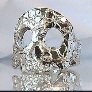 HP!! NWT Goth Boho Silver 6 Hammered Skull Ring!